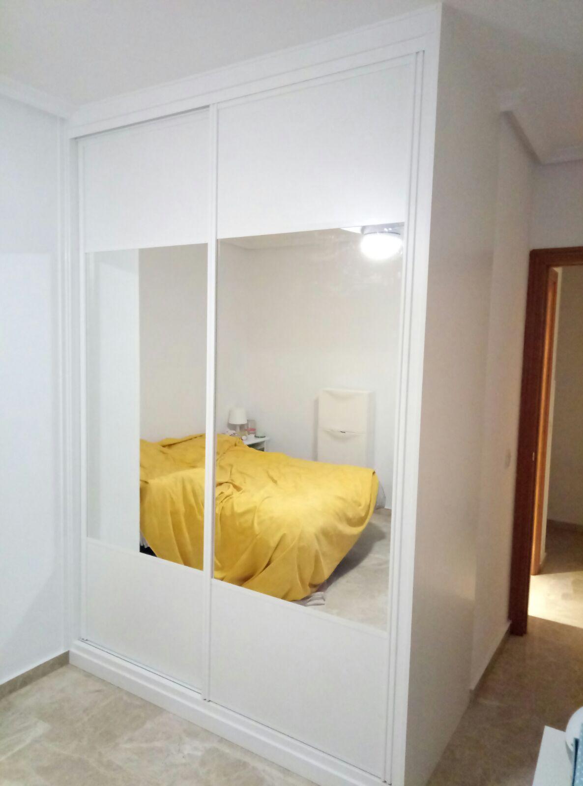 frente melamina blanca combinado con espejo
